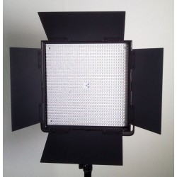 LED Panel BiColor 3200-5600K 5600 LUX display V mount DMX